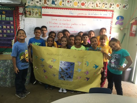 Second grade students from Abelardo Díaz Alfaro Elementary School in San Juan, PR made a banner with as part of the school IMBD Festival Week. ( Photo by Zuleima Sanchez)